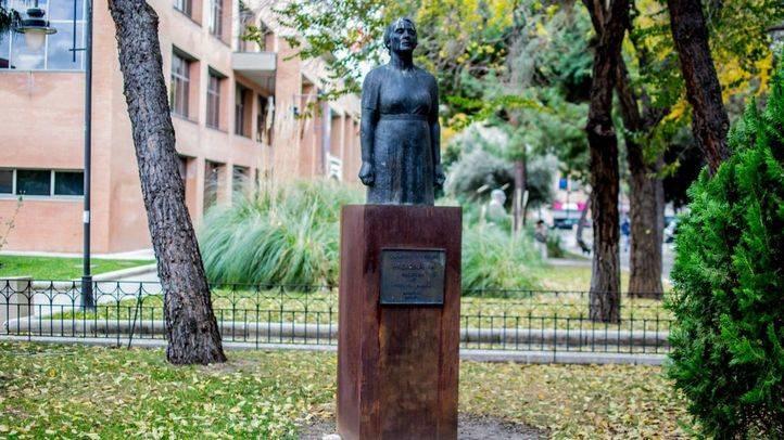 Estatua de la Pasionaria en Leganés. (Foto: Irene Yuste)