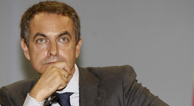 ¿Debe dimitir Zapatero?